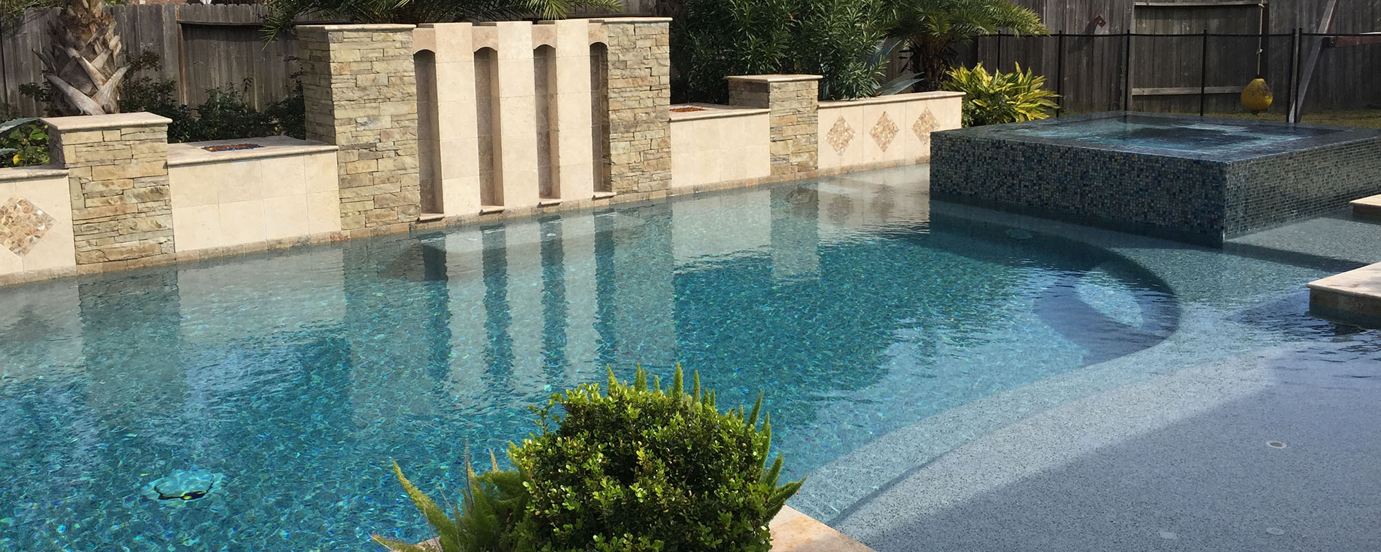 Custom Pools and Outdoor Designs
